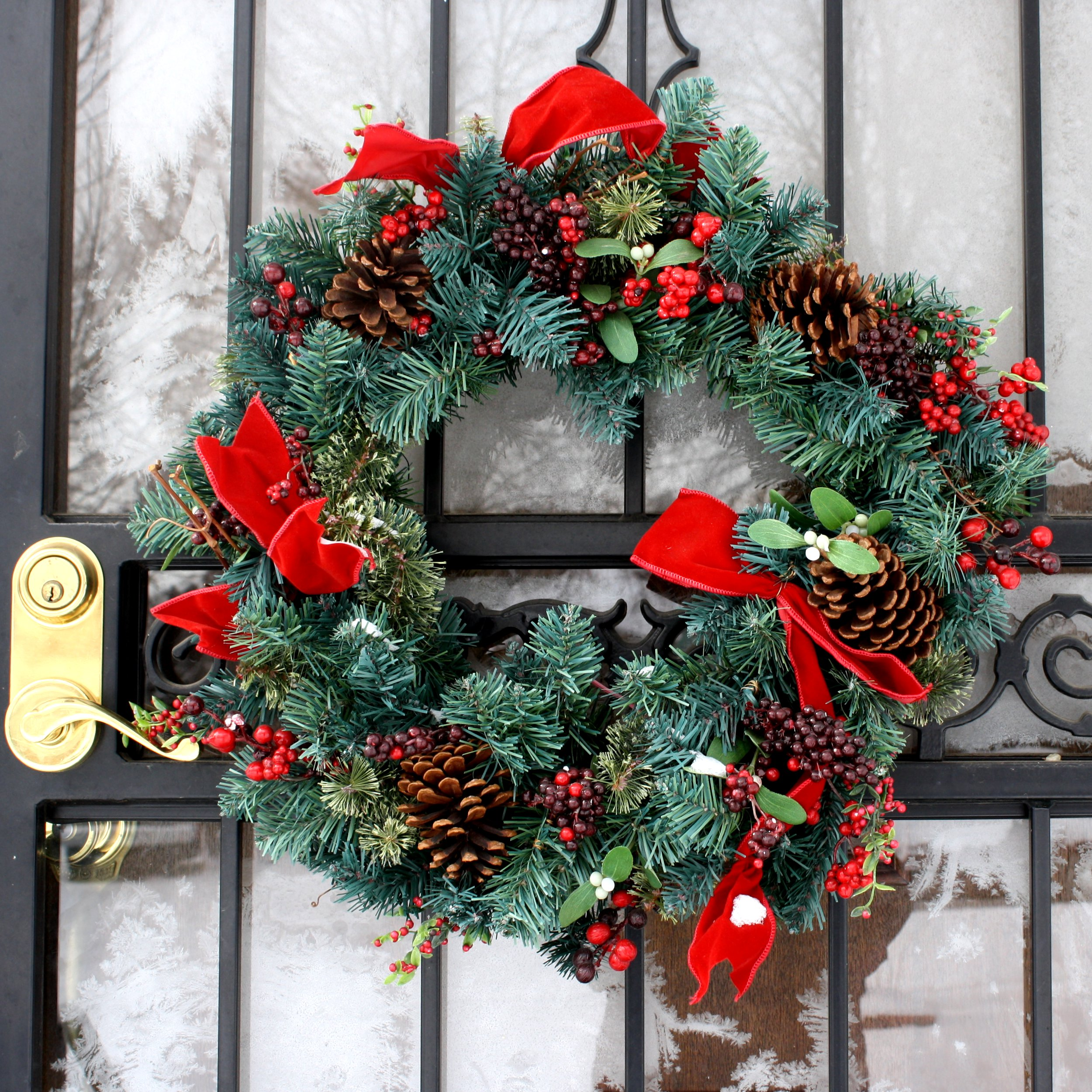 Holiday decorating with cut greenery durham extension Christmas wreath decorations